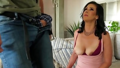 Mariah James - Is A Hottie Milf Dark Haired Lady