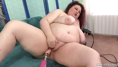 Big coupled with bulky BBWs enjoy riding fucking machines about their chubby pussies