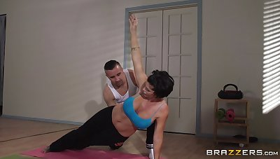 Of age woman Shay Fox does yoga and gets fucked in the matter of her asshole