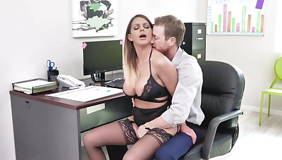 Fine office XXX action for the busty scrimshaw