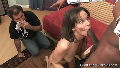 CumeatingCuckolds - Yren De Mer Does Some Husband Season
